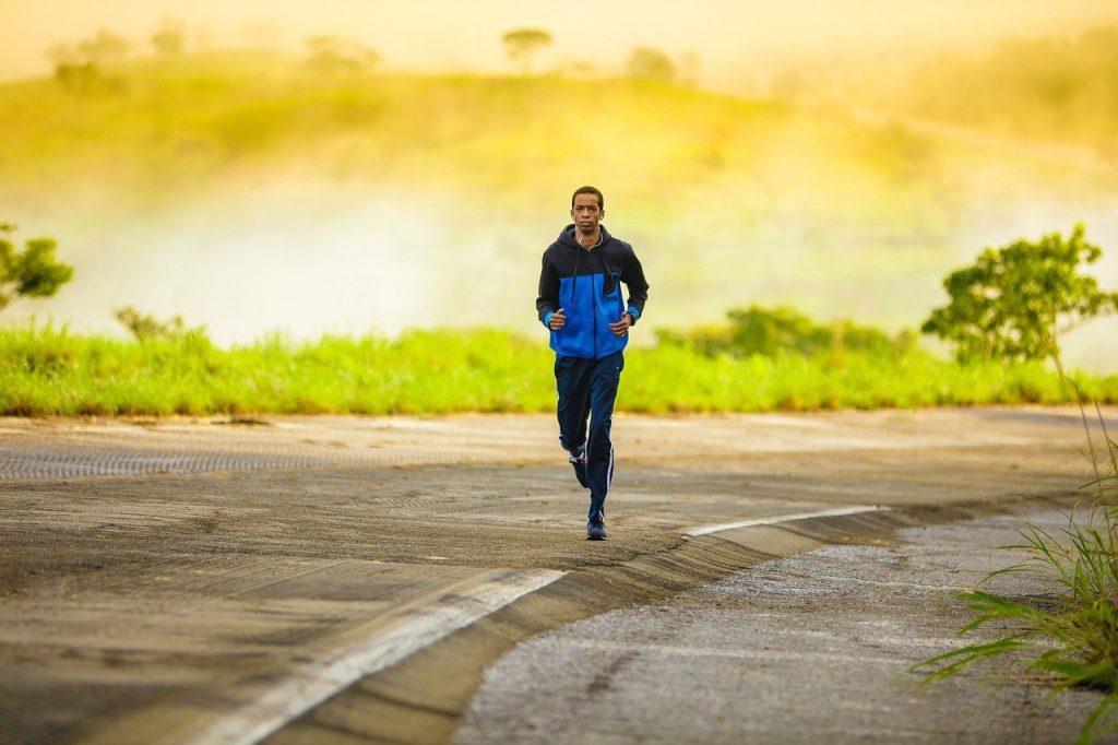 postura uomo che corre